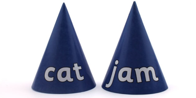 CVC Word Cones a - visual aids, CVC words, word games, word cone
