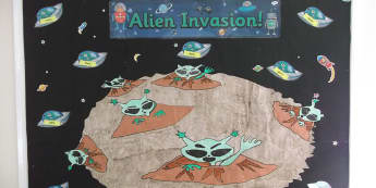 Literacy, Alien Invasion, Aliens, Moon, The Planets, Invasion, Planet, Display, Classroom Display, Early Years (EYFS), KS1 & KS2 Primary Teaching Resources