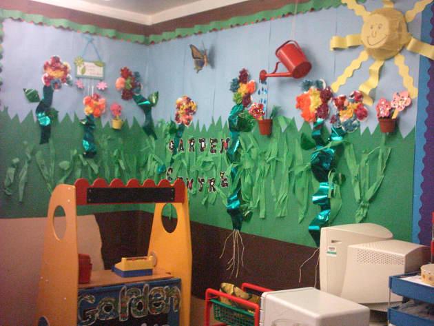 Modern Preschool Classroom ~ Garden cenre display classroom role play gardening