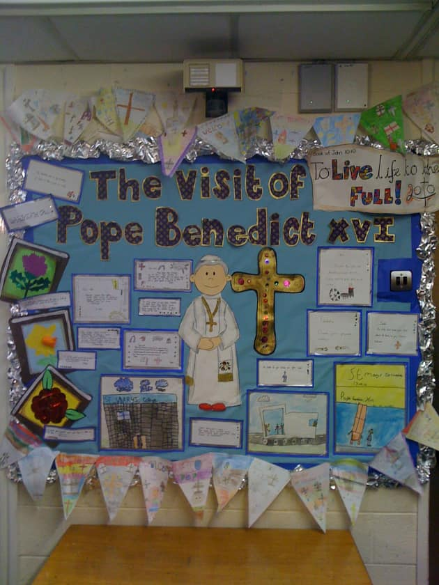 Pope visits Display, classroom display, class display, Religion, faith, Christianity, church, Pope visit, Early Years (EYFS), KS1 & KS2 Primary Resources